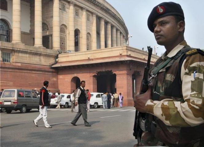 संशय में सुरक्षा, संसद परिसर के CCTV हुए बंद