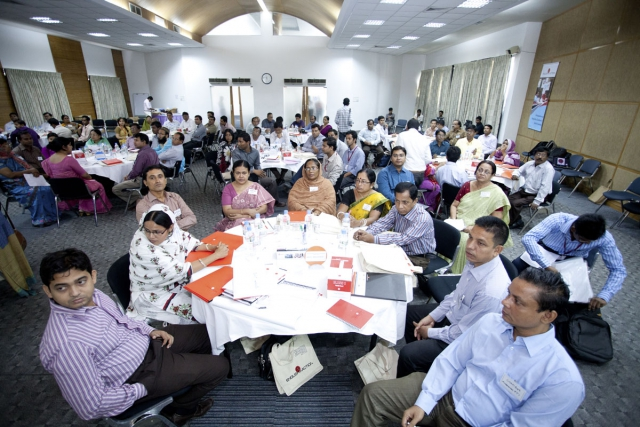 PM मोदी सरकार के नियम लाखों कर्मचारियों पर पड़ रहे भारी
