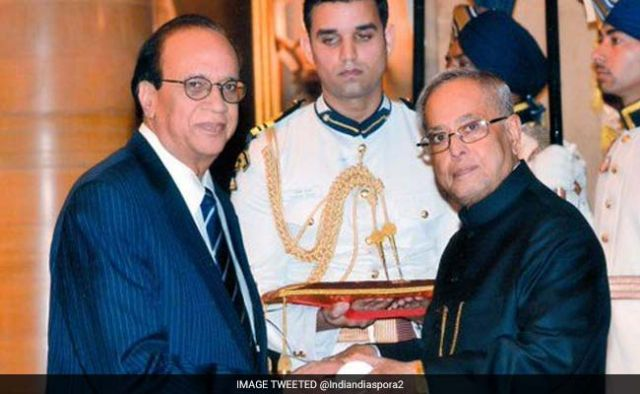 Ashok Mago got Distinguished Alumni Award In US