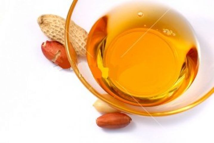 Groundnut oil drops on passive demand
