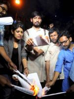 Manusmriti copies burnt in jnu by abvp students