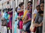 12 passengers of Prayagraj Express were looted