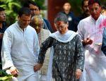 Look how politicians celebrated Holi!