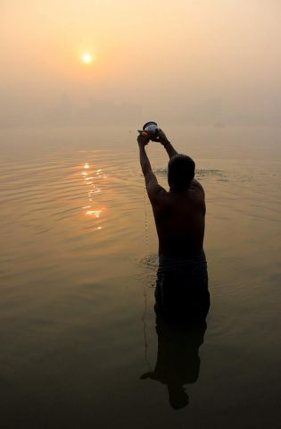 Significance of giving water to sun!