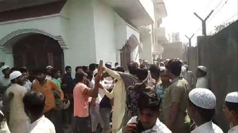 लोकसभा चुनाव: कांग्रेस उम्मीदवार बाँट रहा था बिरयानी, हिंसक झड़प में कई घायल, देखें वीडियो