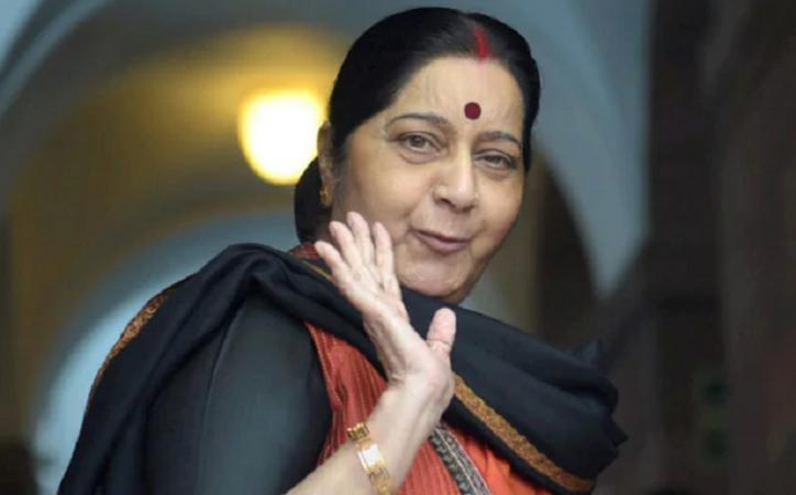 देश की नब्ज पहचानते हैं पीएम मोदी, जबकि राहुल को इस बारे में कुछ नहीं पता - सुषमा स्वराज