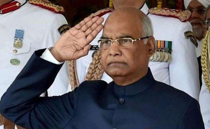 राष्ट्रपति राम नाथ कोविंद ने राष्ट्रीय पुलिस स्मारक पर दी शहीद जवानों को श्रद्धांजलि