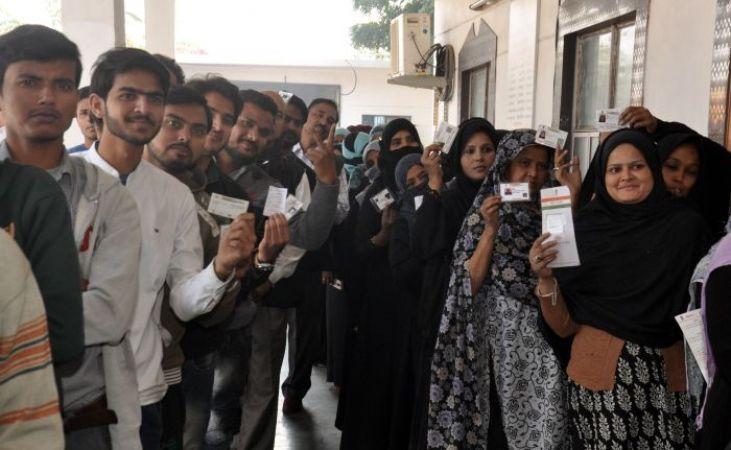 लोकसभा चुनाव: 9 बजे तक नोएडा में 15 और बिजनौर में 13.5 प्रतिशत मतदान, लोगों में उत्साह