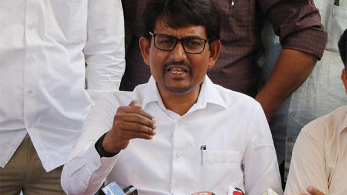 अल्पेश ठाकोर ने कांग्रेस पर लगाए आरोप, कहा- यहाँ सिर्फ अमीरों को ही मिलते हैं टिकट
