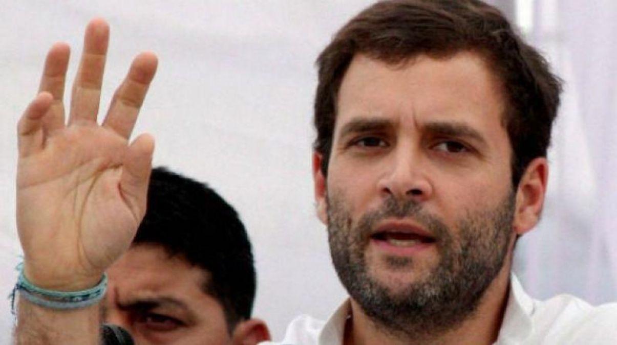 लोकसभा चुनाव: राहुल की जनसभा से पहले ही गिर गया मंच, मचा हड़कंप