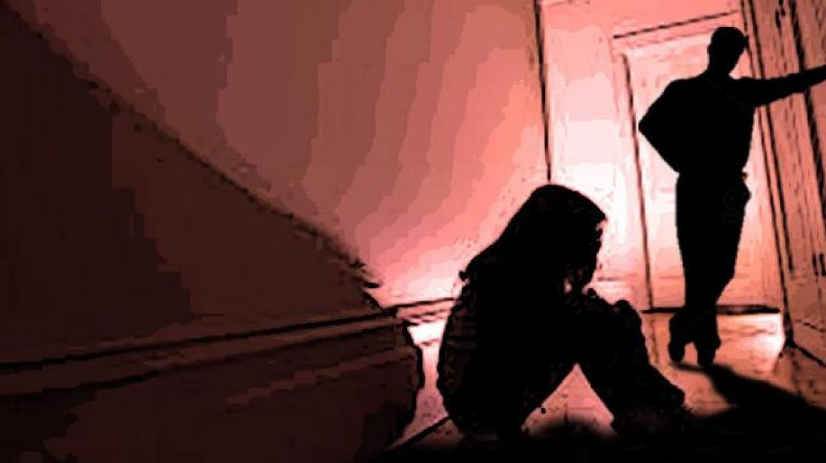 A 37-year-old man raped a 61-year-old actress