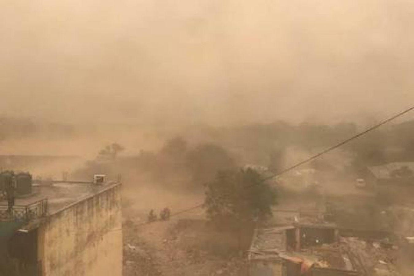 जानलेवा मौसम ने देशभर में मचाई तबाही, कई लोगों की मौत