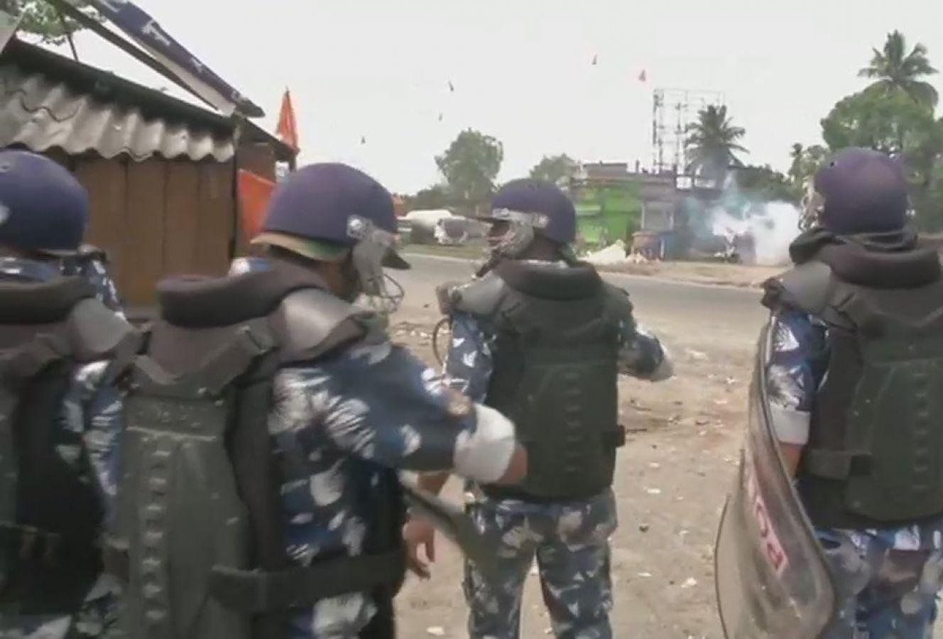 पश्चिम बंगाल में मतदान के दौरान हिंसा, भाजपा ने लगाया बूथ लूटने का आरोप
