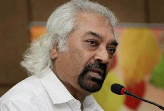 सैम पित्रोदा का बड़ा बयान, कहा- मुसलमानों को देश का दुश्मन समझते हैं पीएम मोदी