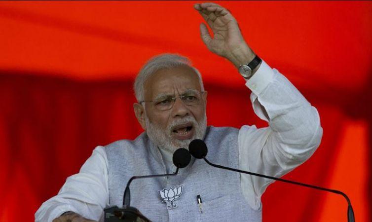 साध्वी प्रज्ञा को प्रत्याशी बनाए पर जाने पर बोले पीएम मोदी- कांग्रेस को महंगी पड़ेगी साध्वी की उम्मीदवारी