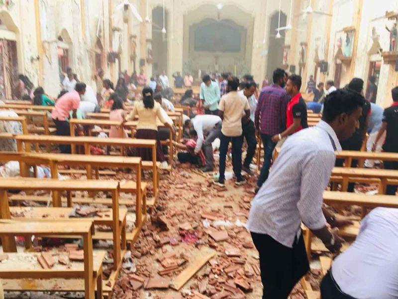 श्रीलंका आतंकी हमले में अब तक 158 की मौत, देखें भयावह तस्वीरें