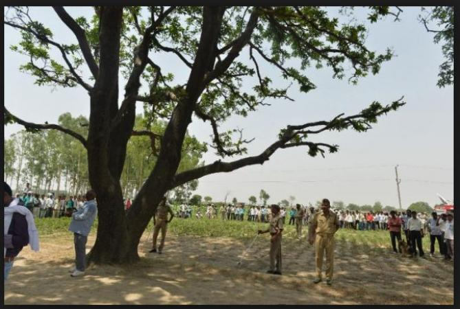 Two girls found hanging from a tree in UP