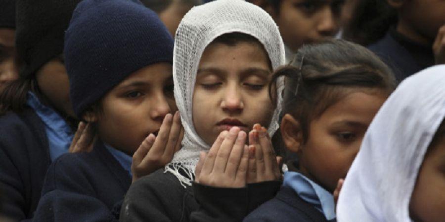 पाकिस्तान: लड़कियों की शिक्षा के खिलाफ कट्टरपंथी, 12 स्कूल किए ख़ाक