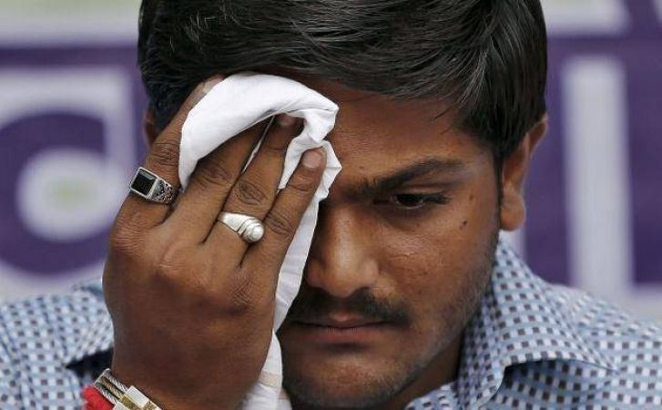 Gujarat High Court gives relief to Hardik Patel against 2015 riots