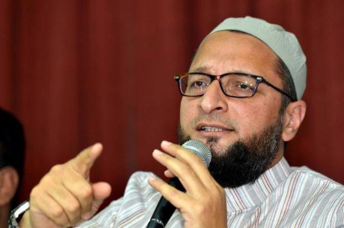 धर्मनिरपेक्षता संविधान में गाली है : असदुद्दीन ओवैसी