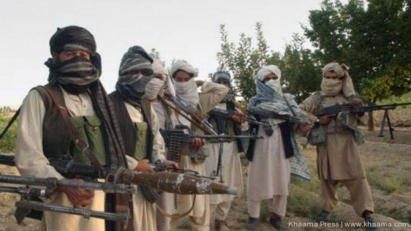 तालिबान के आतंकियों का अफगानिस्तान के सैन्य कैंप पर कब्जा, 14 सैनिकों की मौत