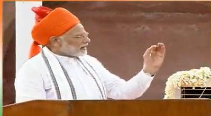 देश के सभी वीरों को आदरपूर्वक नमन : पीएम मोदी