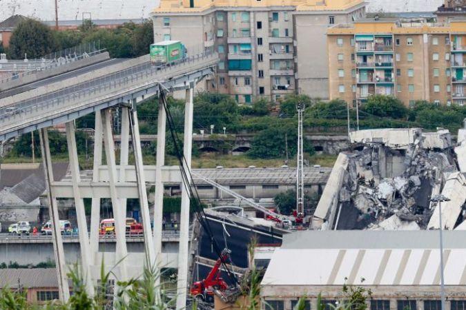 इटली के जेनोआ शहर में पुल ढहने से 39 की मौत