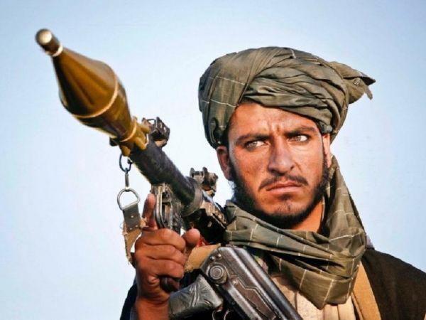 तालिबान की धमकी, अमेरिका बात करे वरना अफ़ग़ानिस्तान में जारी रहेंगे हमले