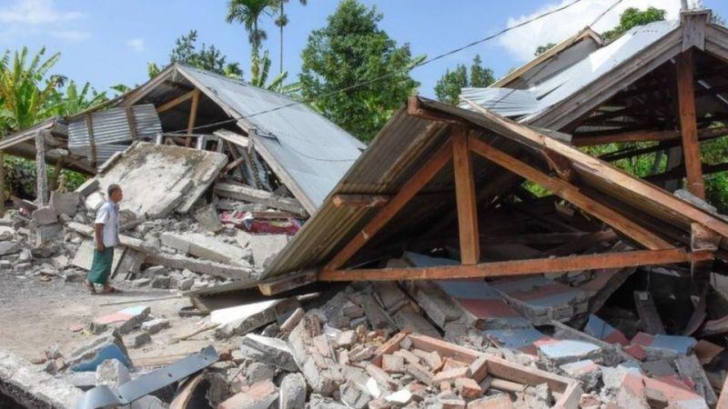 नहीं थम रहा इंडोनेशिया में भूकंप का सिलसिला, लाखों लोग बेघर