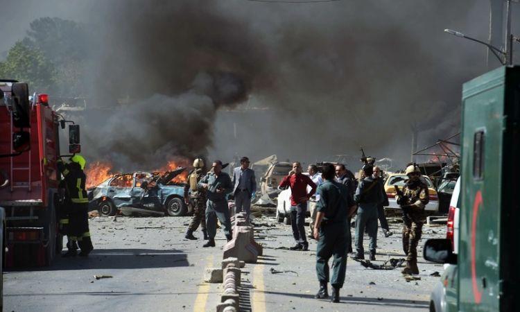 काबुल में राकेट हमले, आतंकियों से मुठभेड़ जारी