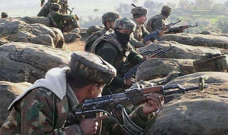 जम्मू कश्मीर:  सेना ने मार गिराए लश्कर के 3 आतंकी, मुठभेड़ अब भी जारी