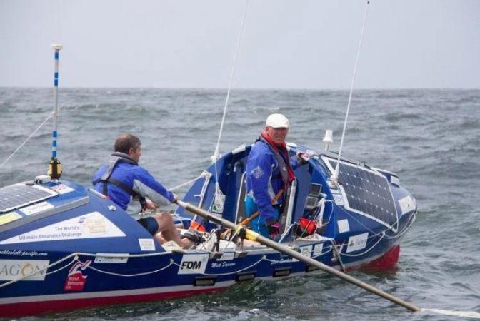 नाव से पैसिफिक सागर पार कर रहा है नेत्रहीन व्यक्ति, इतना बाकि है सफर