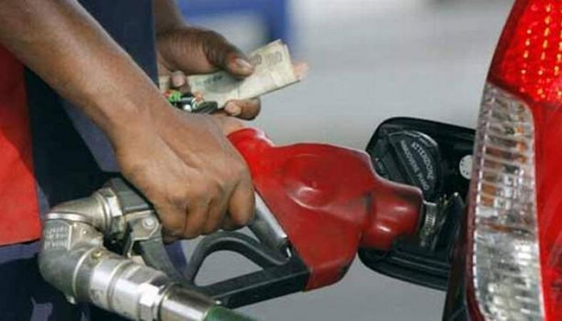 महंगाई की मार लगातार दूसरे दिन बढे पेट्रोल डीजल के दाम