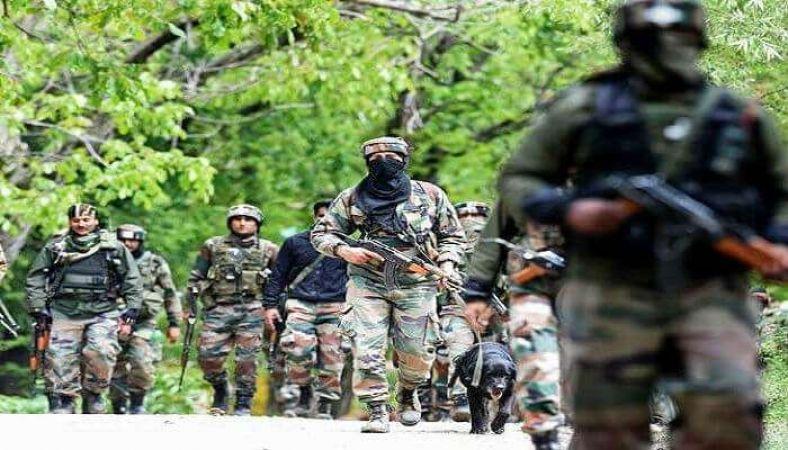 जम्मू कश्मीर: खानबल मुठभेड़ में हिज्बुल कमांडर सहित दो आतंकी ढेर