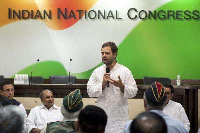 कांग्रेस नेताओं की राहुल गांधी को सलाह, आरएसएस से दूर रहना ही बेहतर