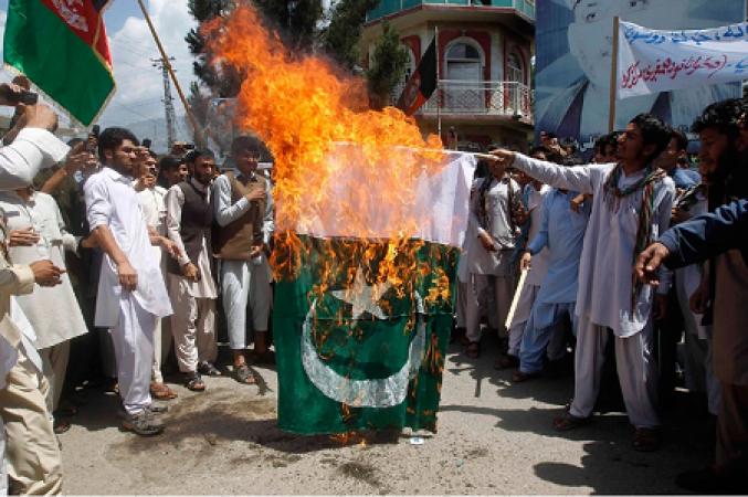 फिर एक पाकिस्तानी का बयान -लानत है पाकिस्तानी आर्मी पर