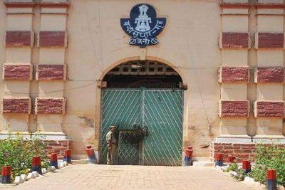 कुम्भ मेले के दौरान गिनीज बुक में नाम दर्ज कराने की तैयारी में है नैनी सेंट्रल जेल की दीवार