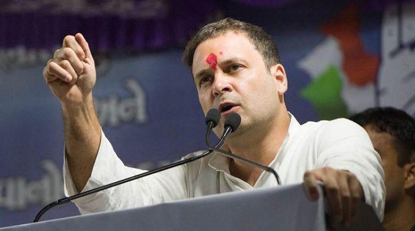 पार्टी में मची हलचल, पर्चा दाखिल करने रवाना हुए राहुल