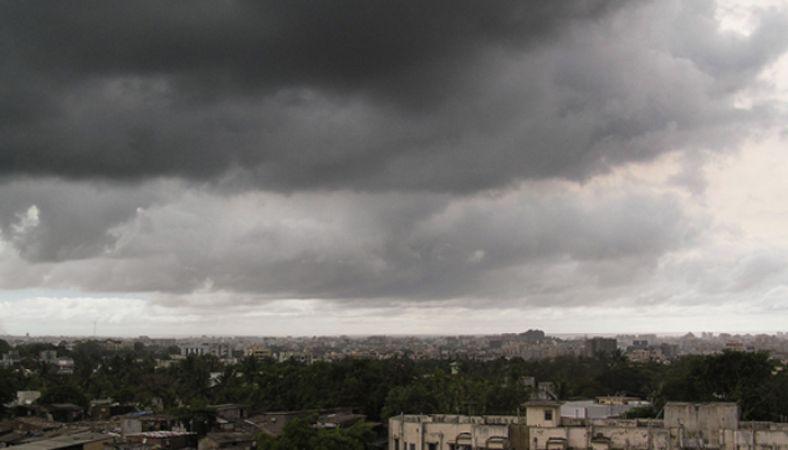 उत्तर प्रदेश में छाए घने बादल
