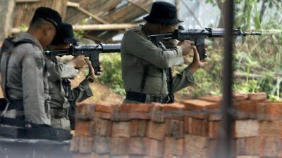 इंडोनेशिया : अंधाधुन गोलीबारी में 31 लोगों की मौत, एक लापता