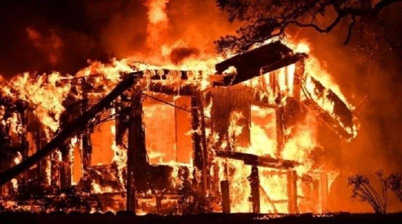 बलिया कोर्ट परिसर में लगी आग, जली कई फाइलें