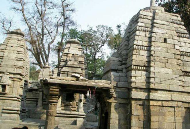 बंद हुए आदिबदरीनाथ मंदिर के कपाट, अब मकर संक्राति पर होंगे दर्शन