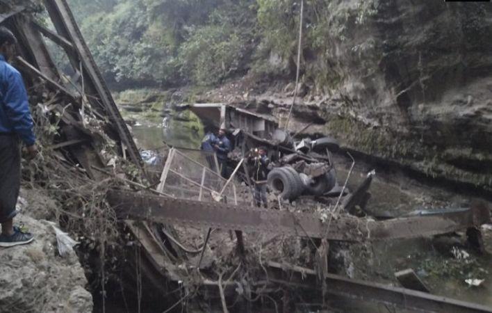 देहरादून: 115 साल पुराना ब्रिटिशकालीन पुल ढहा, दो लोगों की मौत तीन गंभीर घायल