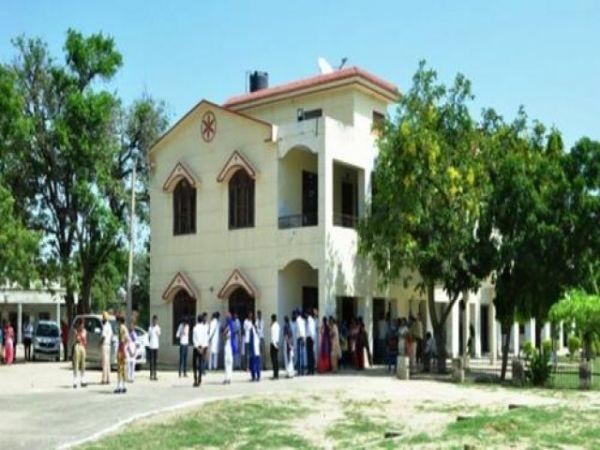 ਪੰਜਾਬ ਦੇ 49 ਸਰਕਾਰੀ ਕਾਲਜਾਂ ਵਿੱਚ ਸਿਰਫ਼ 512 ਰੈਗੂਲਰ ਪ੍ਰੋਫੈਸਰ