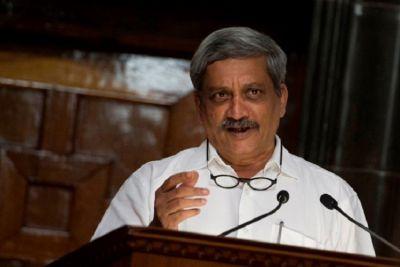 गोवा के मंत्री ने पर्रिकर को बताया ईसा मसीह, मच सकता है सियासी घमासान