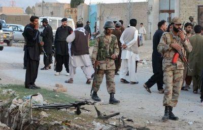 पाकिस्तान के 4 पुलिसकर्मी हुए हमलावरों के शिकार