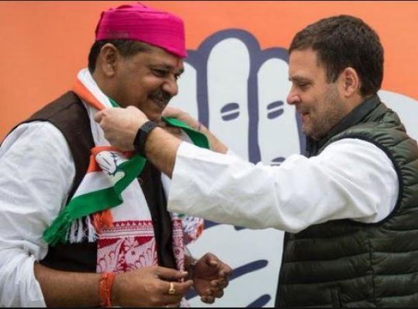 कांग्रेस में शामिल हुए सांसद कीर्ति आजाद, राहुल गांधी की उपस्थिति में ली सदस्यता