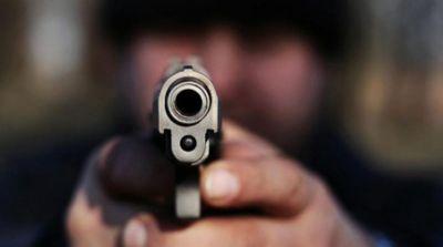 ससुलाल वालों से नाराज़ युवक ने न्यू ईयर पार्टी के बीच ही परिवार के ही 6 लोगों को गोलियों से भूना