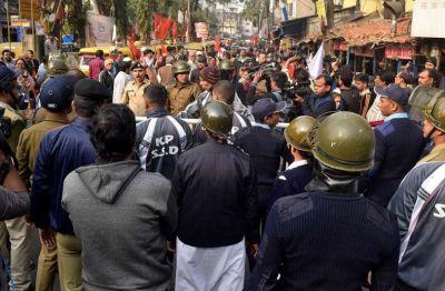 भारत बंद : हड़ताल के दौरान बैंक ट्रेजरी पर हमला, कई ट्रेनें भी रोकी गई