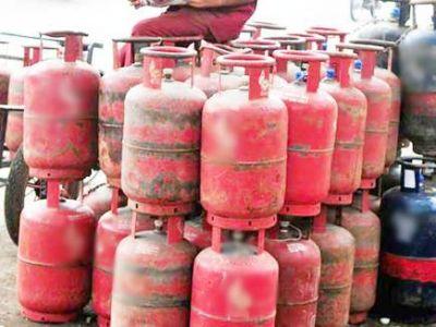 गरीब सवर्णों को पेट्रोल पंप और गैस एजेंसी भी आवंटित कर सकती है सरकार